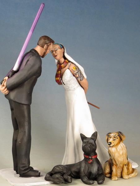 topper-kiss-saber-dog